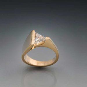 Eternity-Floating-Triangle-Diamond.jpg