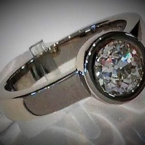 Large-diamond-custom-bezel.jpg