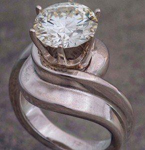 gallery_eternity-custom-high-set-diamond.jpe